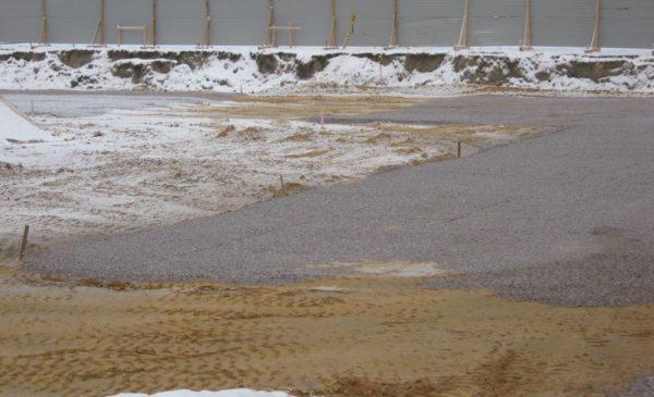 Вид котлована после обратной засыпки песком
